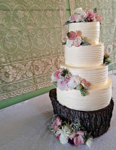 Rustic summer wedding cake for 120 people
