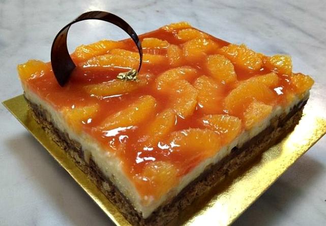 fruit-topped dessert